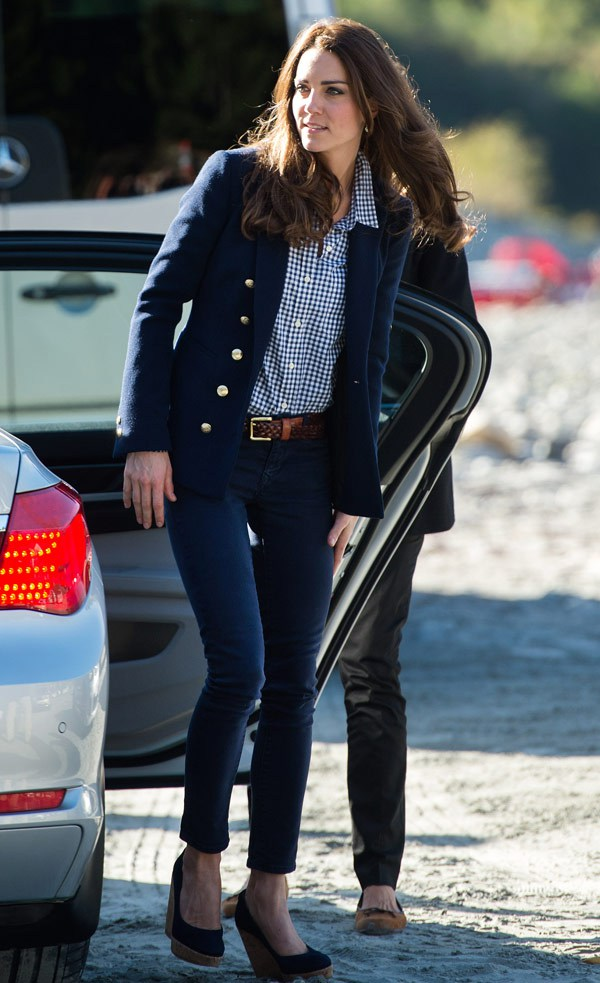 Kate Middleton Travels In Style Down Under The Simply