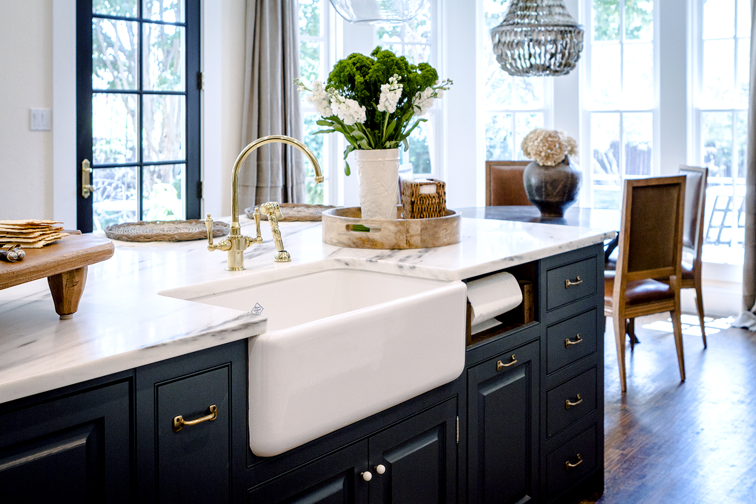 Decor Inspiration: A Go-To Kitchen - The Simply Luxurious ... on Rustic:fkvt0Ptafus= Farmhouse Kitchen  id=63922