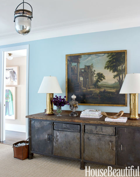 Decor inspiration sophisticated farmhouse style the for Large foyer wall decorating ideas