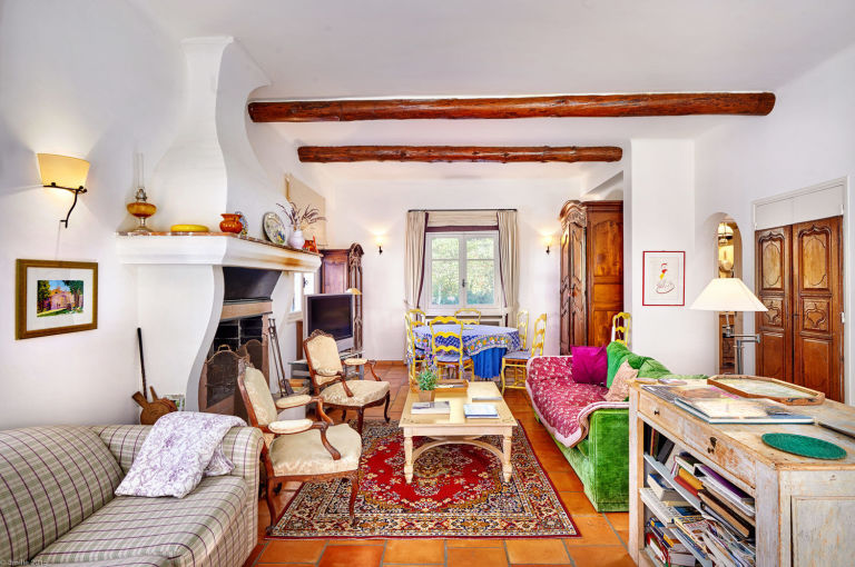 Decor inspiration julia child s provence home the for French country cottages for sale
