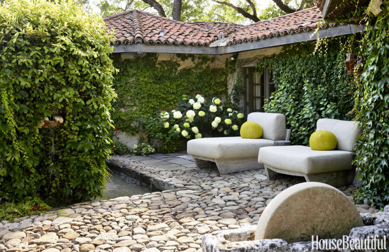 Provence inspired the simply luxurious life - Cozy outdoor living spaces connecting mother nature ...