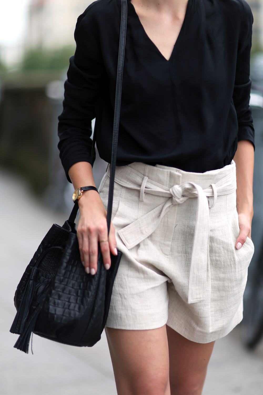 Fashion Mugging Casual Chic Neutral Style The Simply